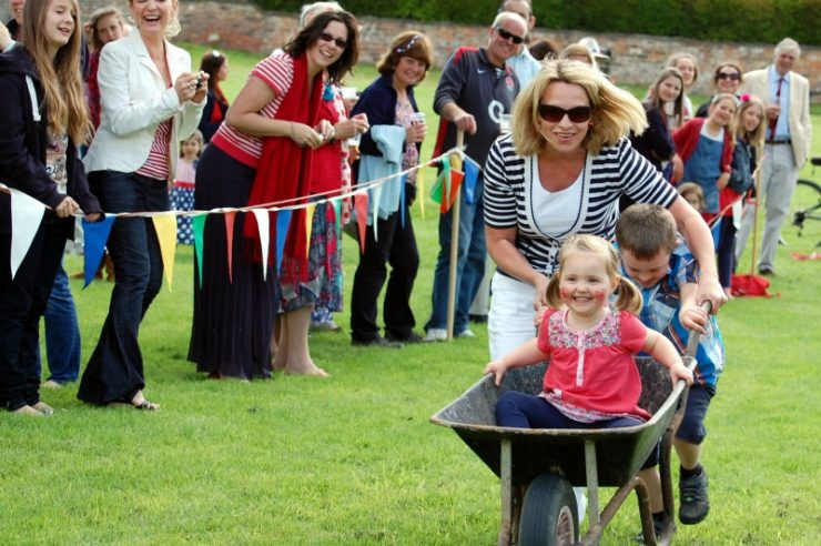Image for Community spirit is alive and well in UK, finds report