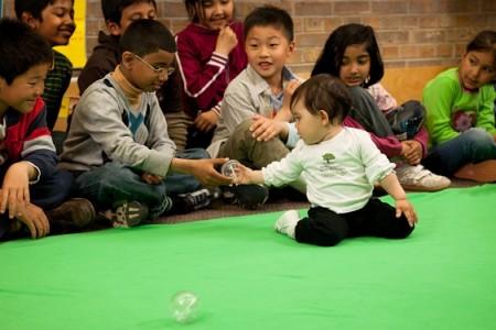 Roots of Empathy classroom-baby Mei-photo (c) Melanie Gordon