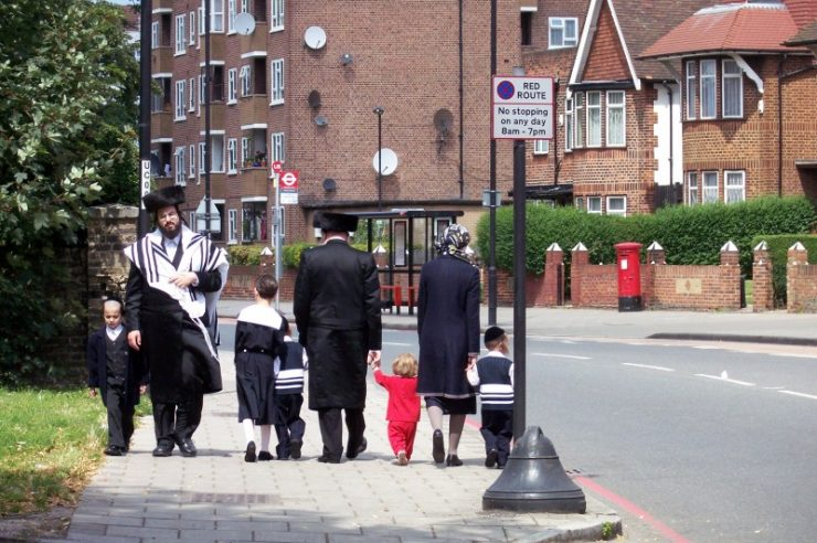 Image for UK still values Jewish communities, study shows