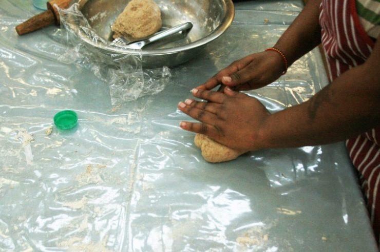 Image for Torture survivors find bravery in bread