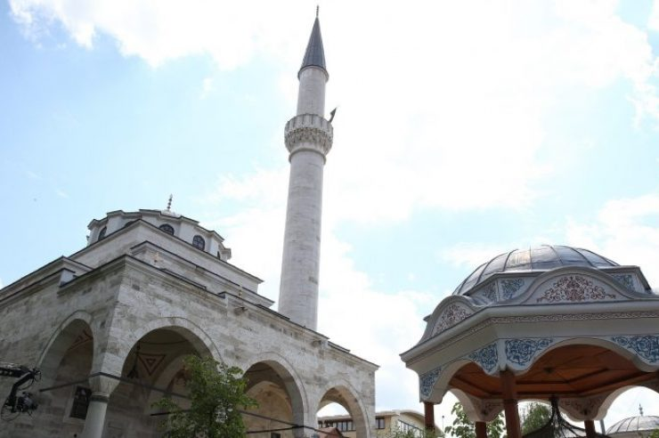 Image for Historic Bosnian mosque reopens under banner of reconciliation