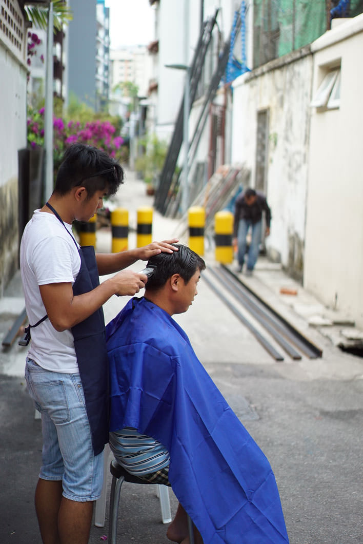 Singapore's alleways have inspired creative communities for migrant workers. Image: Cai Yinzhou