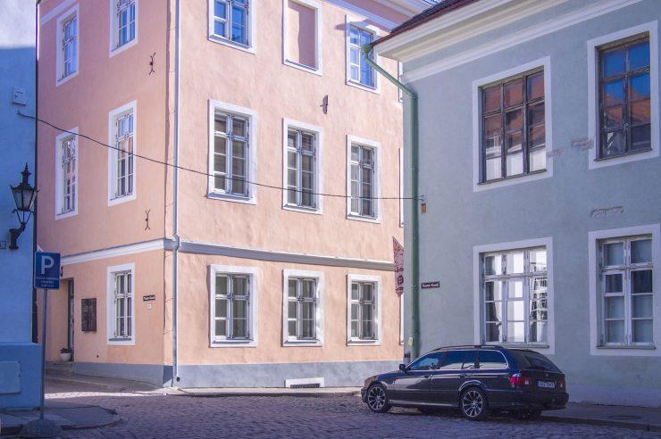 Image for No ticket to ride: Estonia makes public transport free