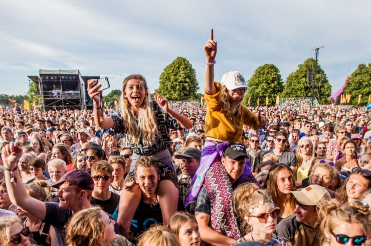 Image for Music festivals to host reverse vending machines for plastics this summer