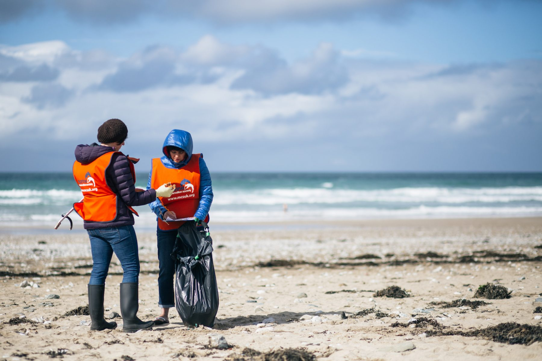 Image for Record numbers of volunteers set to clean up UK beaches this weekend