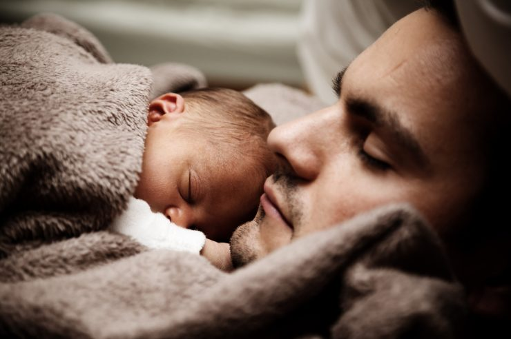 Image for NHS to introduce mental health checks for new fathers