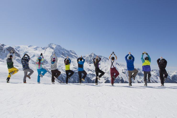 Image for Skiing and yoga: the benefits of a cold stretch