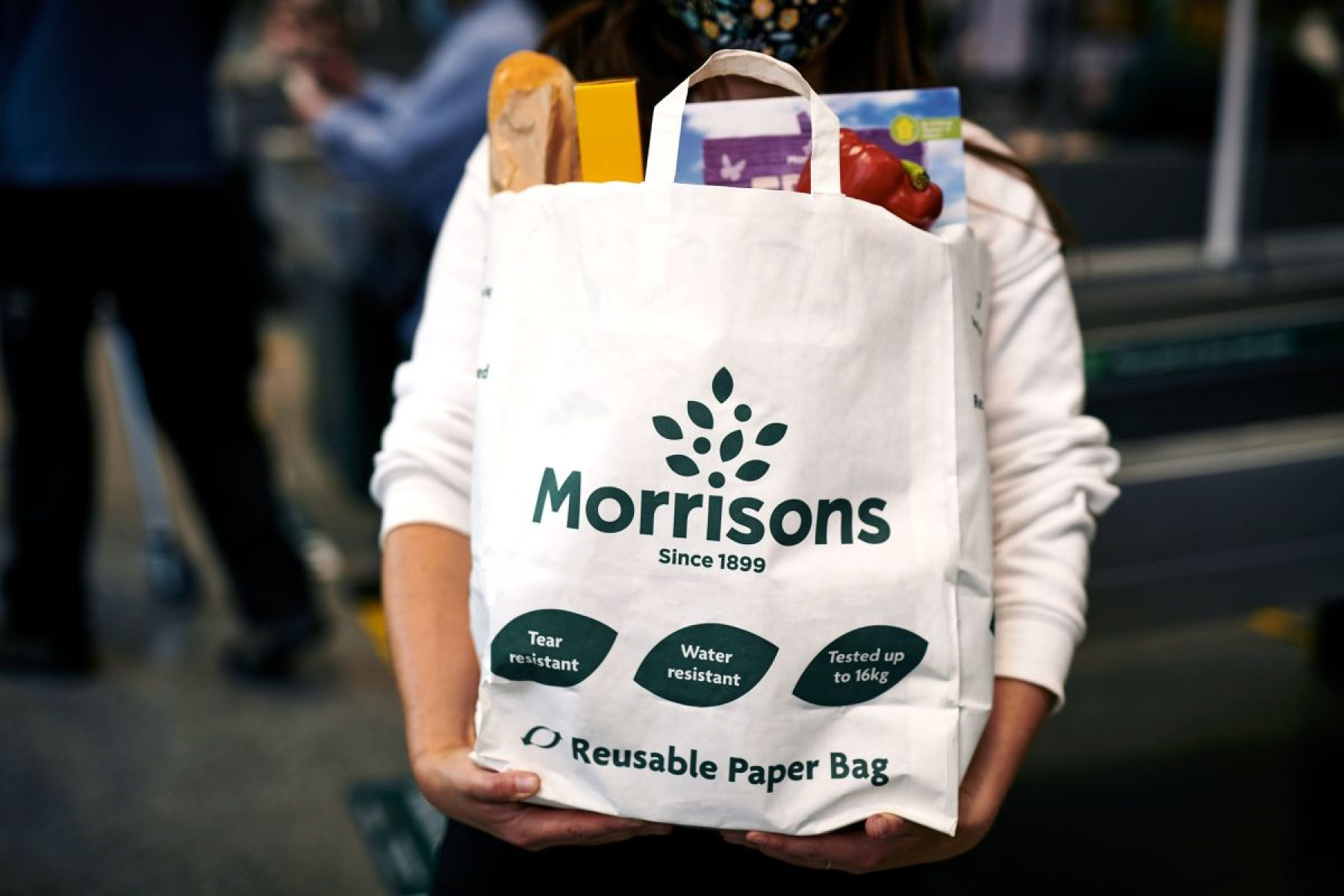 Image for Supermarket chain to replace plastic 'bags for life' with paper alternative
