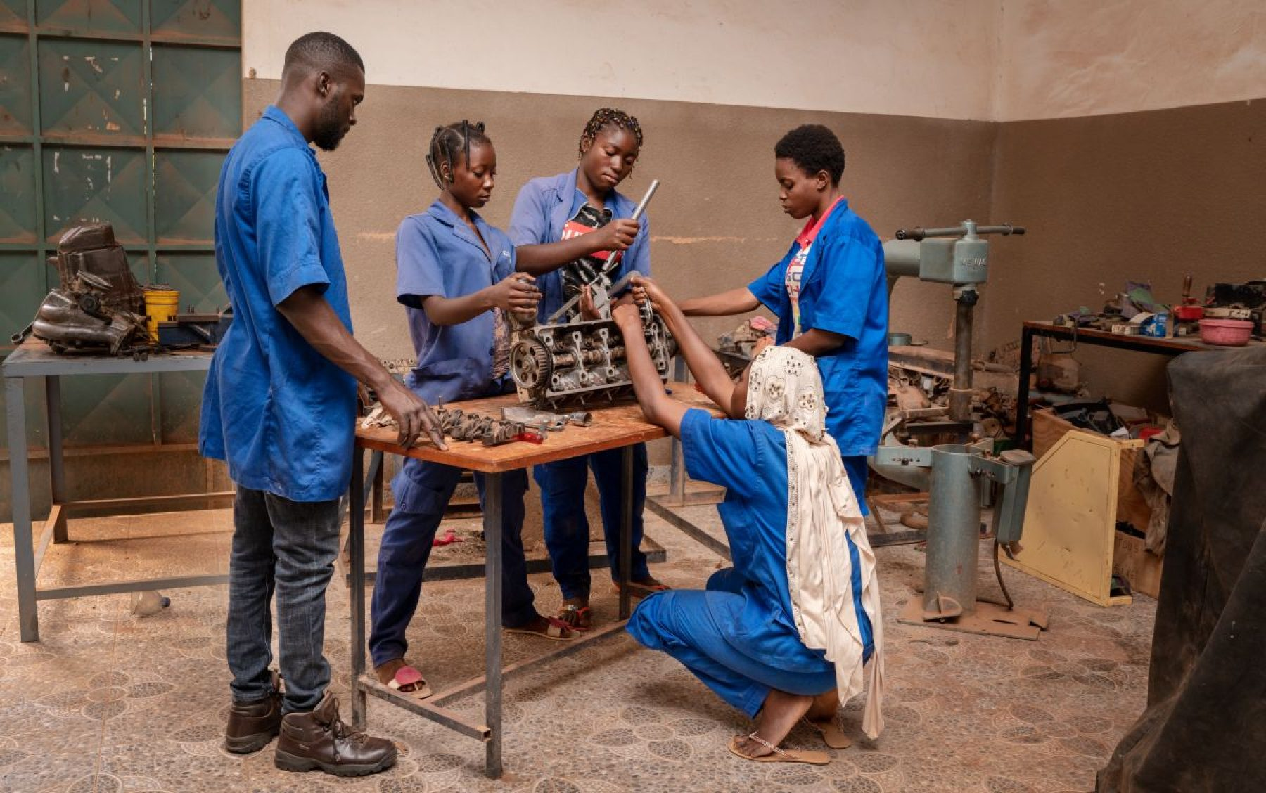 Image for The young women of Burkina Faso who fix stereotypes by repairing cars