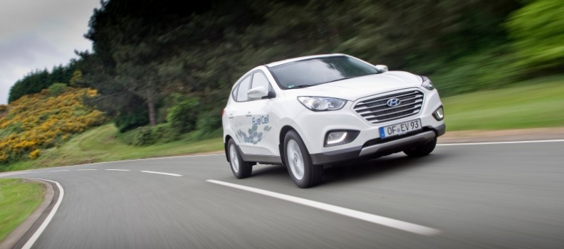Hydrogen-powered cars to drive forward in 2015